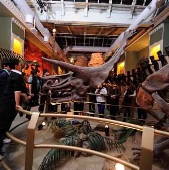 Jurassic Land Çocukları Heyecana Çağırıyor