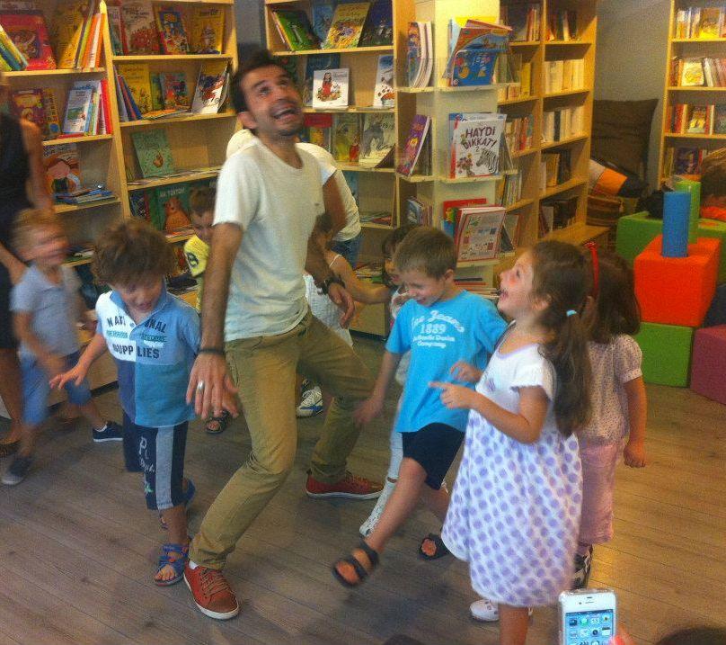 Çocuklar İçin Hem Kitap Hem Oyun