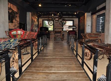 Tofaş Bursa Anadolu Arabaları Müzesi,  Çocukları Keyifli Bir Zaman Yolculuğuna Çıkarıyor