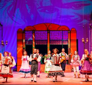 """Zorlu Çocuk Tiyatrosu """"Kibritçi Kız Müzikali"""" ile çocuklarla buluşuyor"""