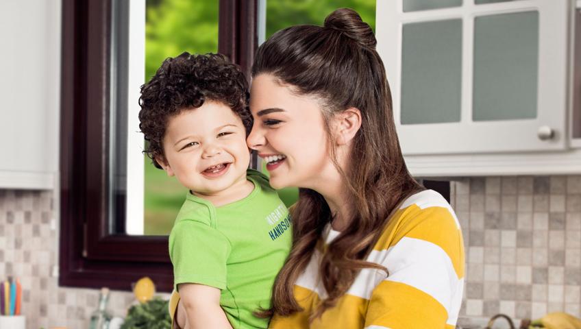 Pelin Karahan ile Röportaj: Annelik Kadınlığın Başka Bir Evresi