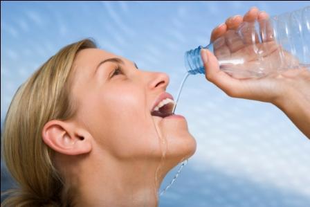 Susuz Kalan Vücut Baş Ağrısı İle Mesaj Veriyor