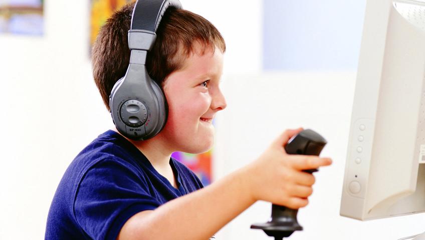 Çocukların Oyun Arkadaşı Bilgisayara Dikkat!