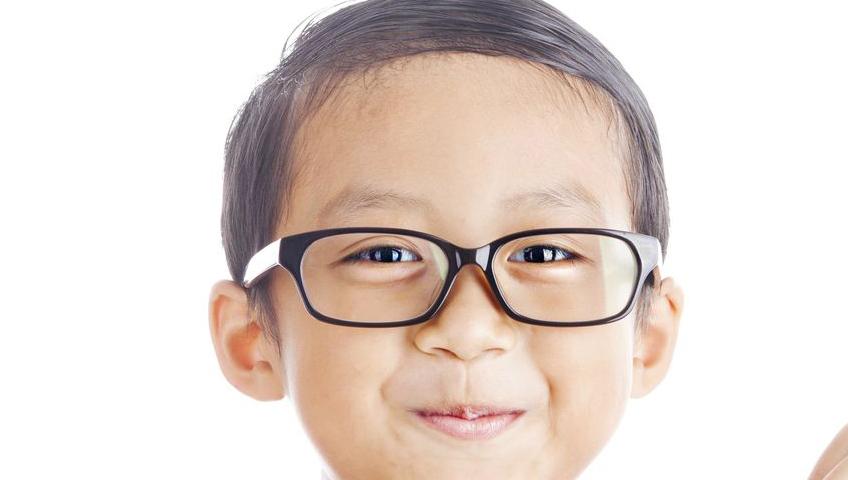 Çocuklarda Gözlük Kullanmanın Önemi