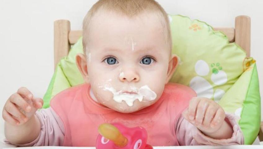 Sık Kusan ve Öksüren Bebek Reflü Olabilir