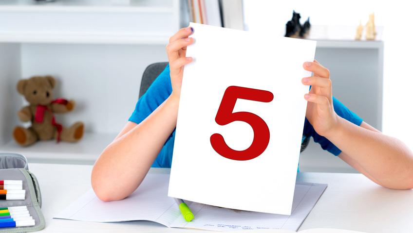 Çocuğun Okul Başarısını Ailede Etkiler