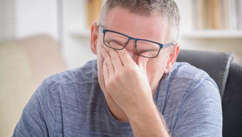 Gözlerinizi Aşırı Ovarak Keratokonusa Davet Çıkarmayın